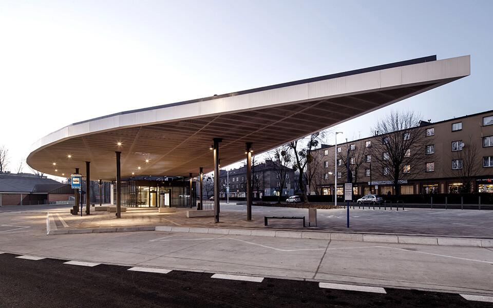 Dworzec autobusowy otwarty